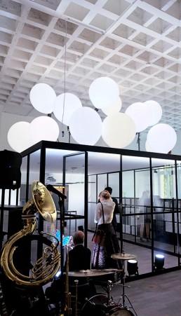 Feine Lichtinstallation von Licht-Künstlern aus München