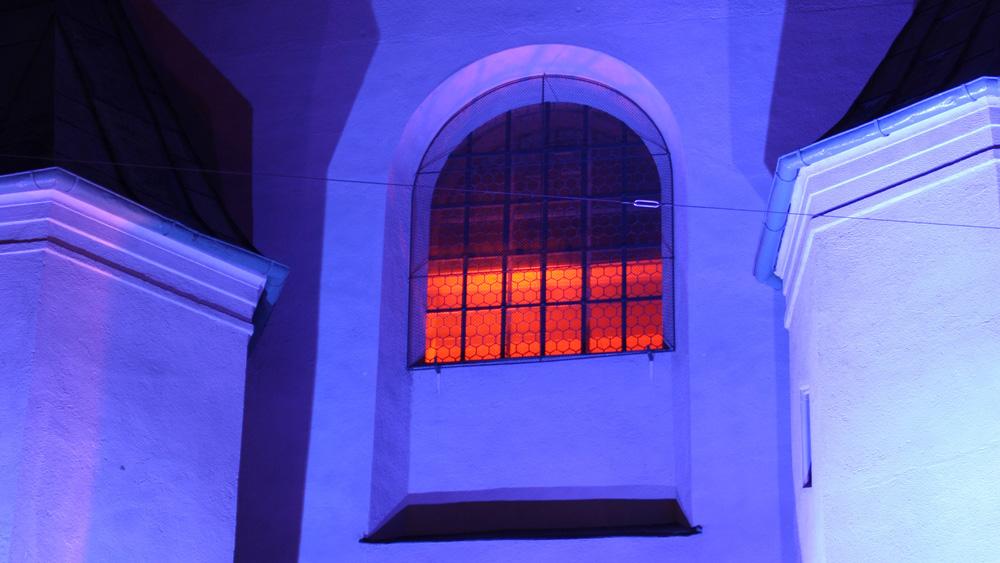 lichtkunst kirche alter peter lichtinstallation. Black Bedroom Furniture Sets. Home Design Ideas