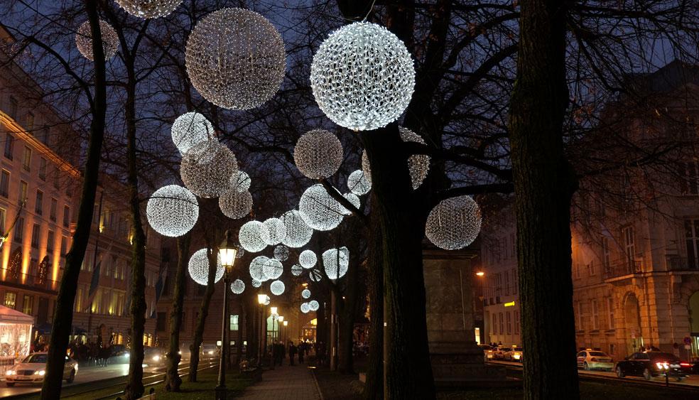 Weihnachtsbeleuchtung München.Light Art Installation On Promenadeplatz Munich Mbeam Studio For