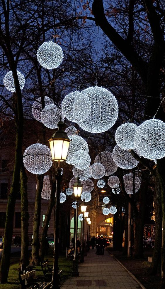 Promenadeplatz München - Winterliche Lichtinstallation u. Weihnachtsbeleuchtung