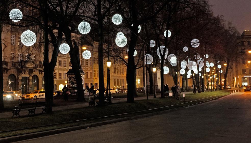 promenadeplatz m nchen winterliche lichtinstallation u. Black Bedroom Furniture Sets. Home Design Ideas