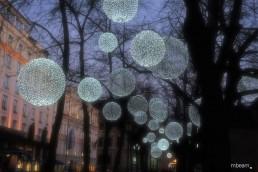Kunstvolle Lichtinstallation für Städte und urbane Räume