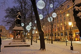 glamorous winterly light art installation