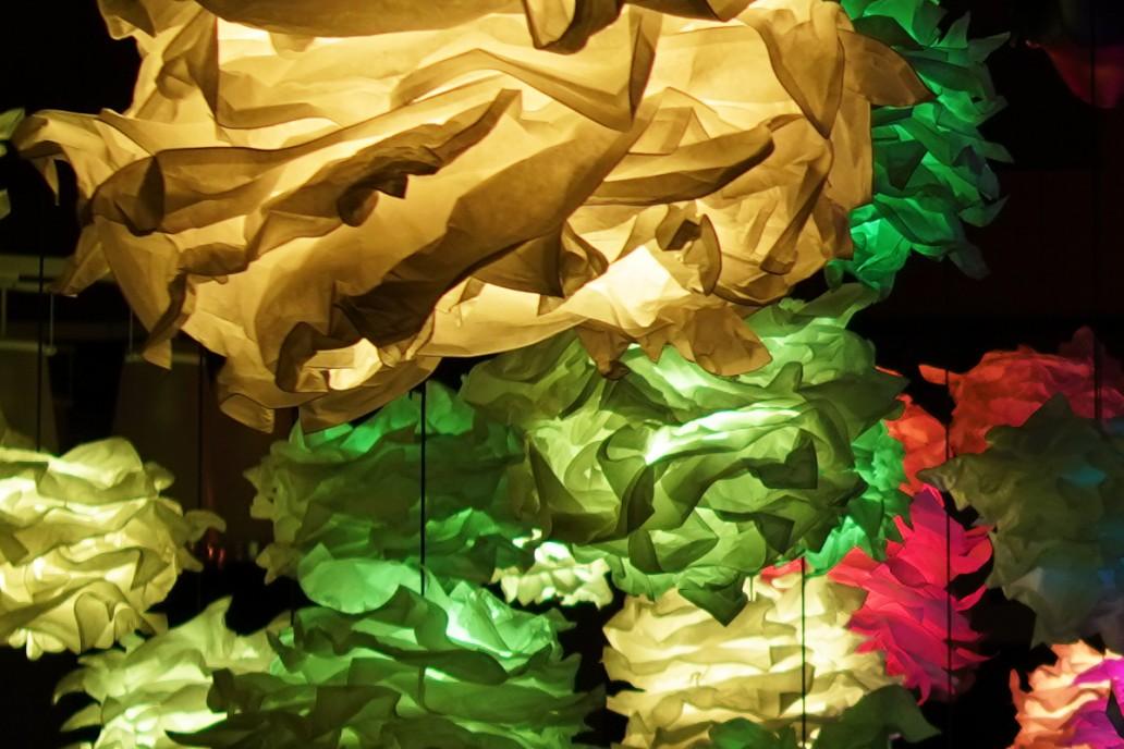 """Lichtinstallation """"Clouds"""" für Festsaal"""